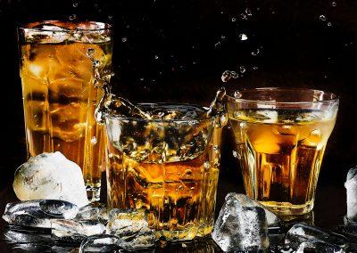 alcohol-bar-black-background-close-up-602750
